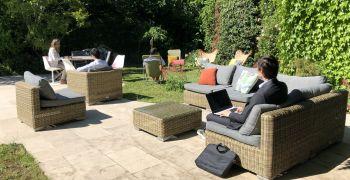 Aménager des espaces de travail à l'extérieur, une solution QVT pour la belle saison